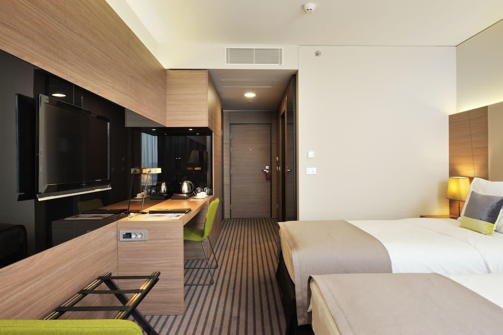 Guest Room - Living Room