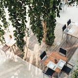 Double Room, Balcony, Garden View - Pemandangan Balkoni