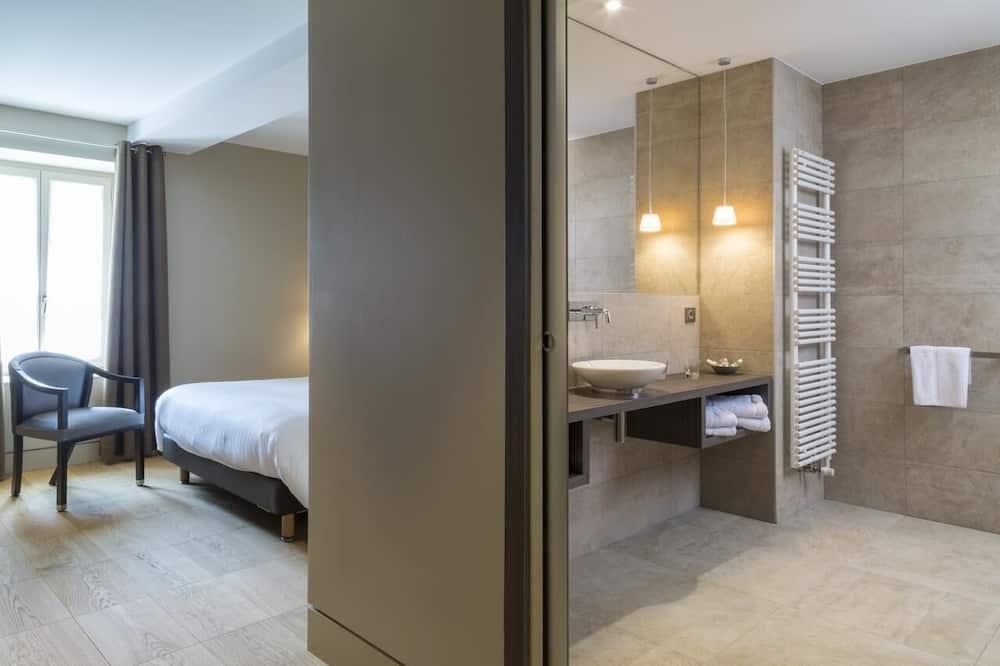 Superior Single Room, Bathtub - Guest Room