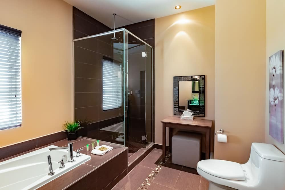 Suite, Studio-loft Style, 1King Bed and Sofabed - Bathroom