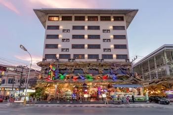 A(z) Tiger Hotel hotel fényképe itt: Patong