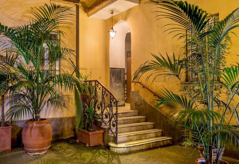 Residenza I Rioni Guesthouse, Rome, Entrée de l'hôtel