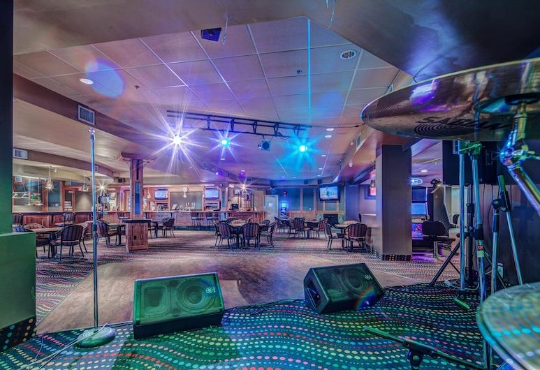 Sands Inn & Suites, Edmonton, Pub sportowy