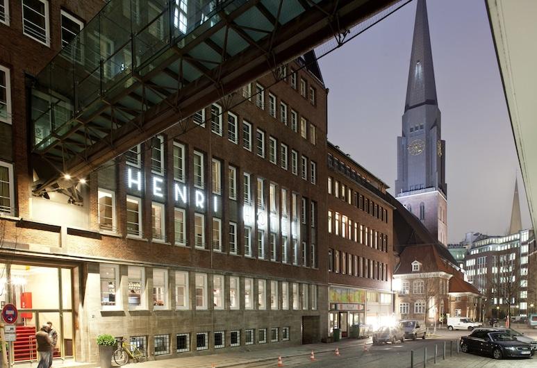 HENRI Hotel Hamburg Downtown, Hamburg, Hotelfassade am Abend/bei Nacht
