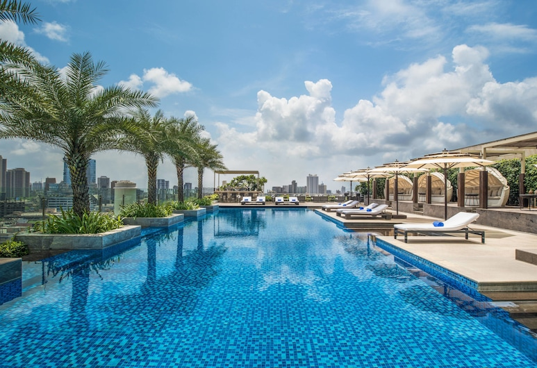 The St. Regis Mumbai, Mumbai, Poolside Bar