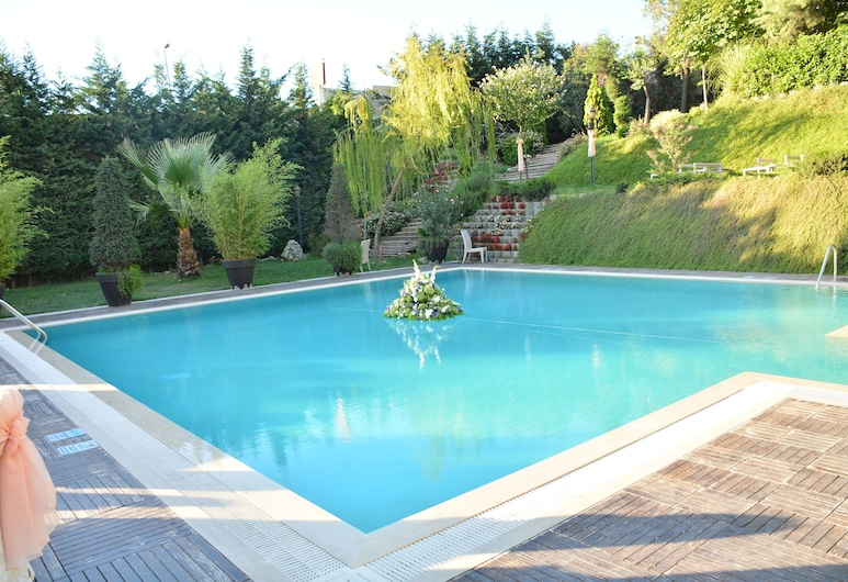 Istanbul Gonen Hotel, Istanbul, Outdoor Pool