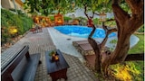 Choose This 1 Star Hotel In Malevizi