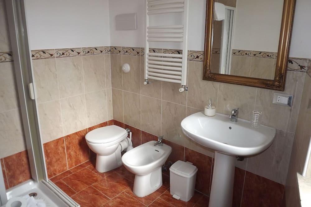 Izba, súkromná kúpeľňa - Kúpeľňa