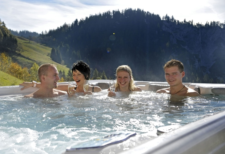 Bergbauernhof Irxner, Schladming, Außen-Whirlpool
