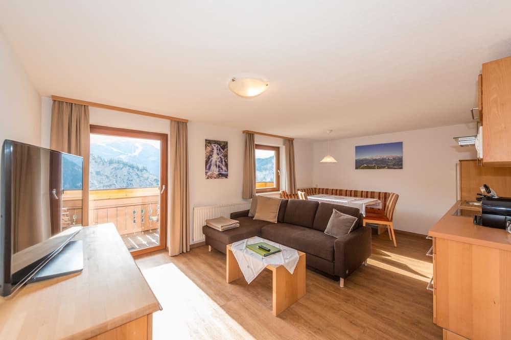 Classic-Apartment, Balkon, Bergblick - Wohnzimmer