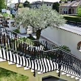 Standard-huoneisto, 2 makuuhuonetta, 2 kylpyhuonetta (4\5 persone) - Näköala parvekkeelta
