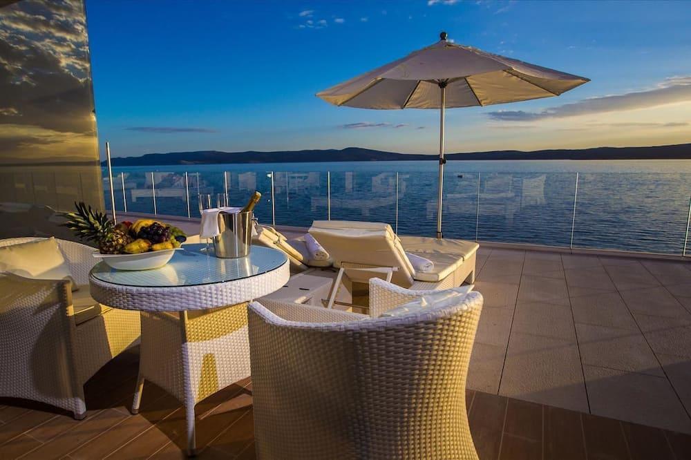Deluxe Junior Double Room Sea View - Terrace/Patio