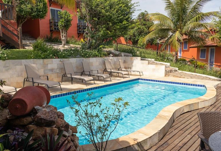 烏斯卡斯特旅館, 布基亞斯濱海碼頭, 室外游泳池