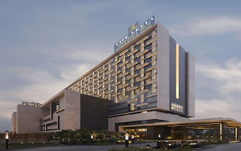 Picture of The Leela Ambience Convention Hotel, Delhi in New Delhi