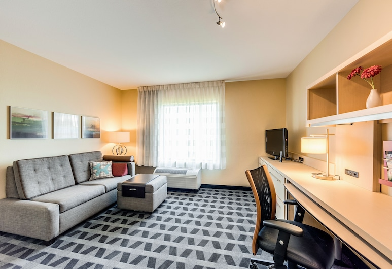 TownePlace Suites by Marriott Ann Arbor, Ann Arbor, Suite, 1 Bedroom, Non Smoking, Living Area