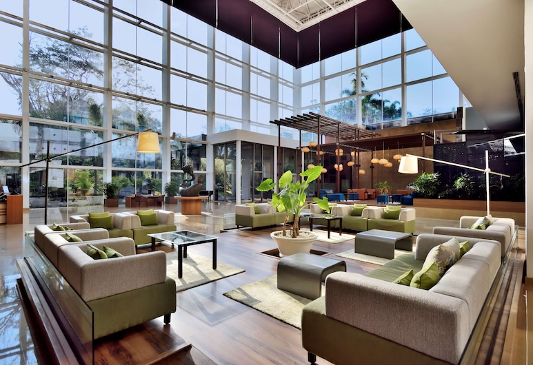 Radisson Blu Plaza Hotel Hyderabad Banjara Hills, Hyderabad, Lobby