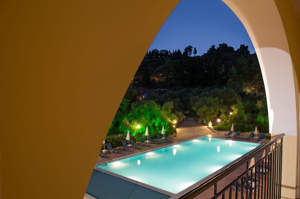 雙人或雙床房, 泳池景觀 - 客房景觀