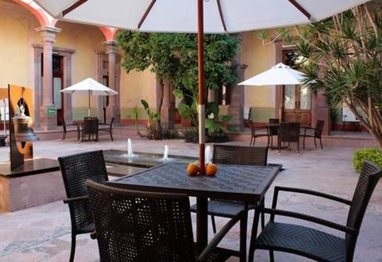 Casona de la Republica Hotel Boutique & SPA, Querétaro, Speisen im Freien