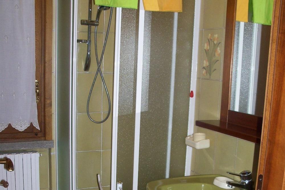 Standard-huone, 2 yhden hengen sänkyä - Kylpyhuone