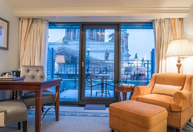Four Seasons Hotel Lion Palace St. Petersburg, St. Petersburg, Rum - 1 kingsize-säng - terrass - utsikt, Gästrum