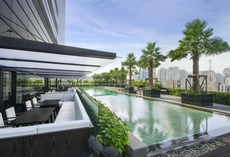 Holiday Inn Bangkok Sukhumvit, an IHG Hotel, Bangkok, Pool