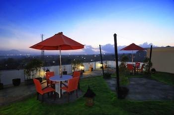 Picture of Parkside DenBukit Residence & Suite Jimbaran in Jimbaran