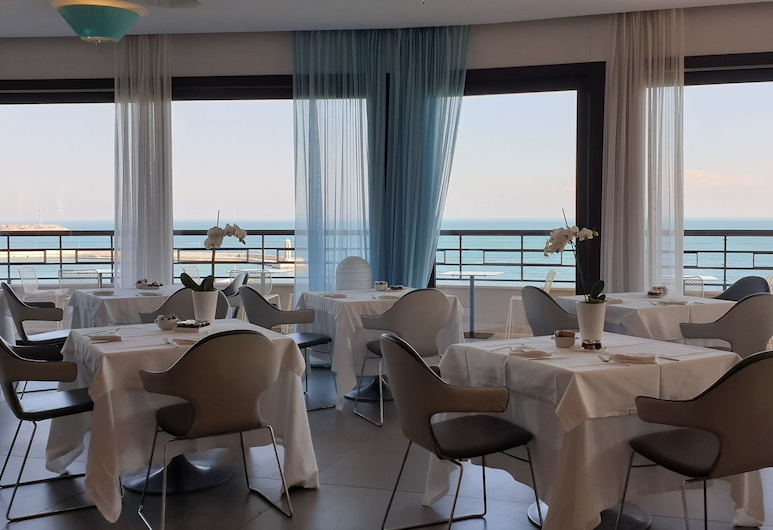 iH Hotels Bari Grande Albergo delle Nazioni, Μπάρι, Χώρος πρωινού