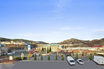 A(z) Days Inn by Wyndham Kamloops BC hotel fényképe itt: Kamloops