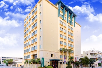 Choose This Mid-Range Hotel in Naha