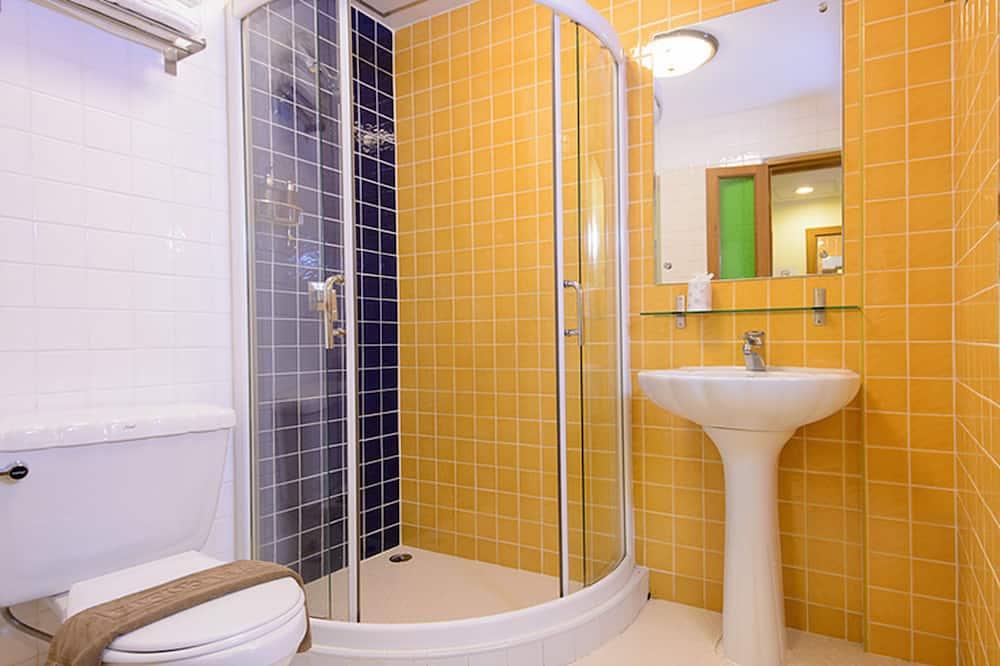 Royal grand King size bed  - Bathroom