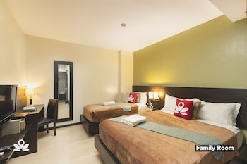 Foto ZEN Rooms Lorenzzo Suites Makati di Makati