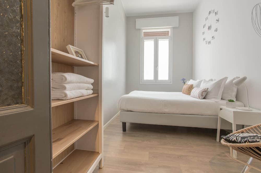 Kahden hengen huone, 1 parisänky, Jaettu kylpyhuone - Vierashuone