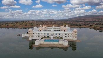 Foto do Lake Nahargarh Palace Chittorgarh - A jüSTa Resort em Parsoli