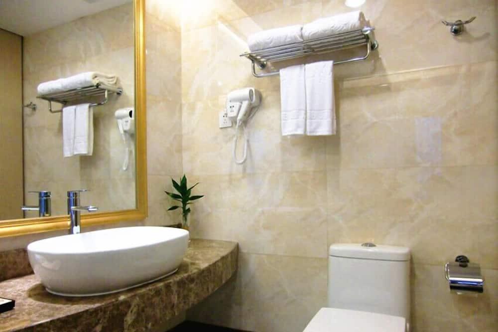 Улучшенный люкс, 2 спальни - Ванная комната