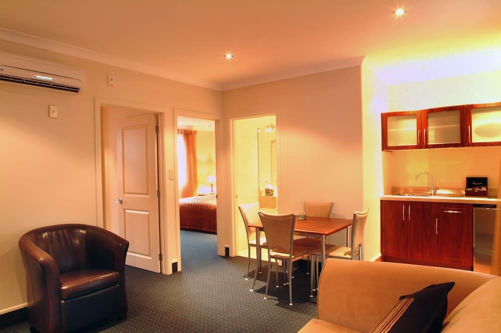 غرفة عائلية - غرفتا نوم - غرفة معيشة
