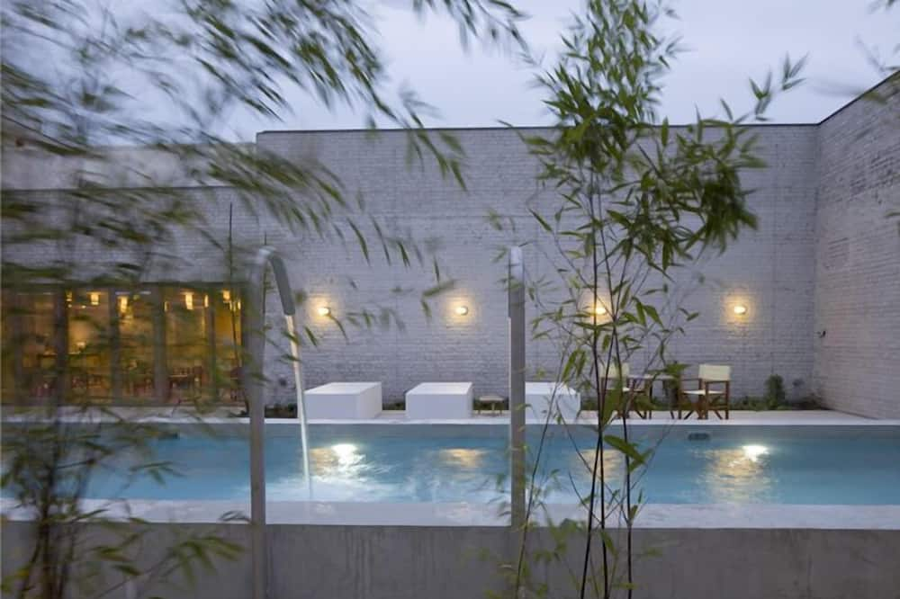 Suite with Spa Access - Basen odkryty