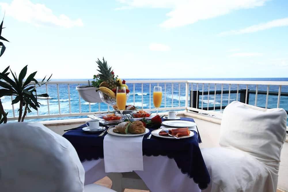 Pokoj Superior s dvojlůžkem, dvojlůžko a rozkládací pohovka, terasa, výhled na moře - Balkón
