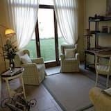 Junior Suite Single Occupancy - Living Room