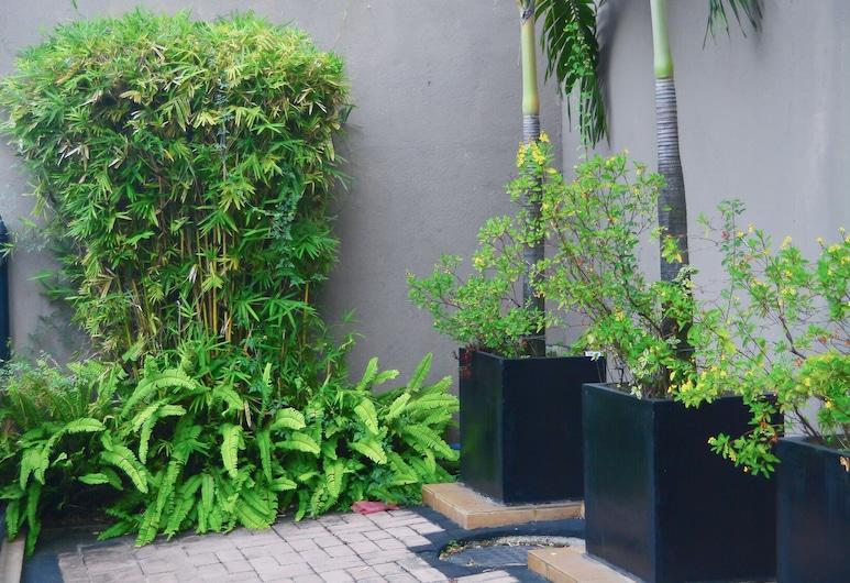 Unique Towers Luxury Boutique Suites, Colombo, Terrace/Patio