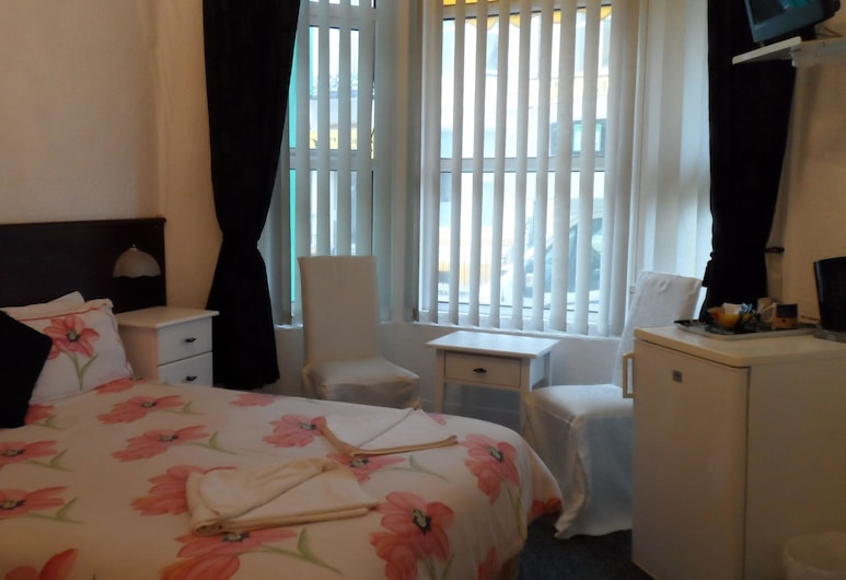 Fairway Lodge, Blackpool, Double Room, Ground Floor, Guest Room