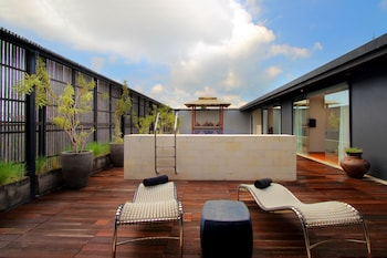 Choose This Romantic Hotel in Seminyak -  - Online Room Reservations