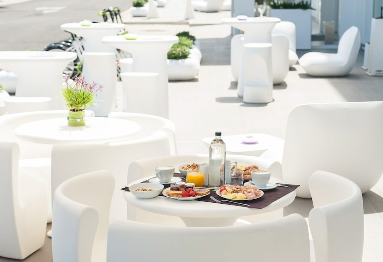 8piuhotel, Lecce, Outdoor Dining