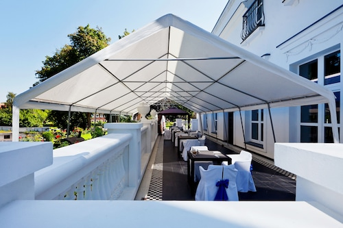 Schloss-hotel/