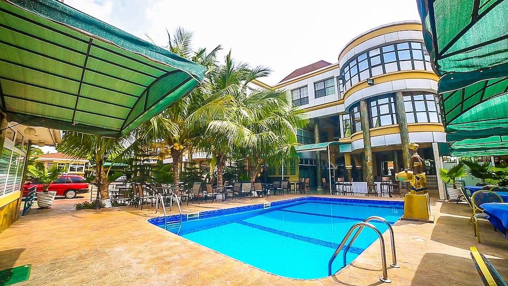 Charleston Hotel Accra