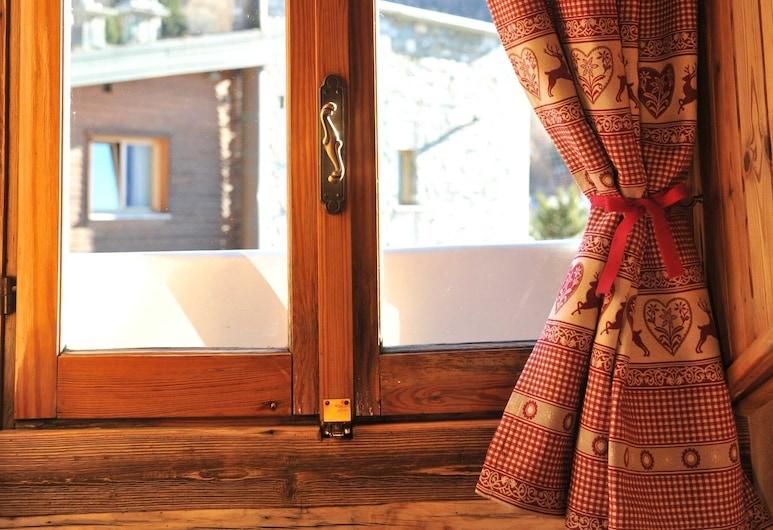L'Ancien Paquier, Valtournenche, Habitación estándar con 1 cama doble o 2 individuales, Vista de la habitación