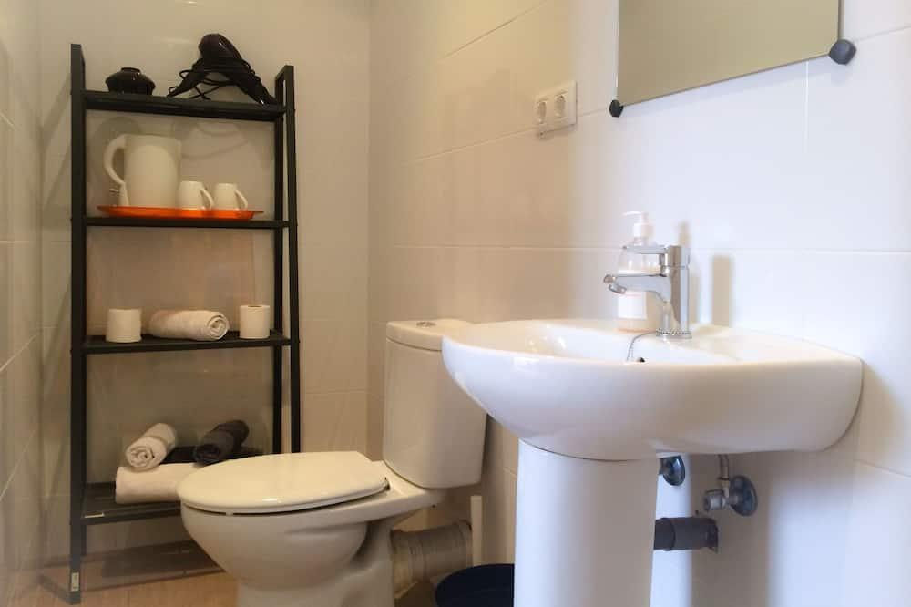 Chambre Simple, salle de bains commune - Salle de bain
