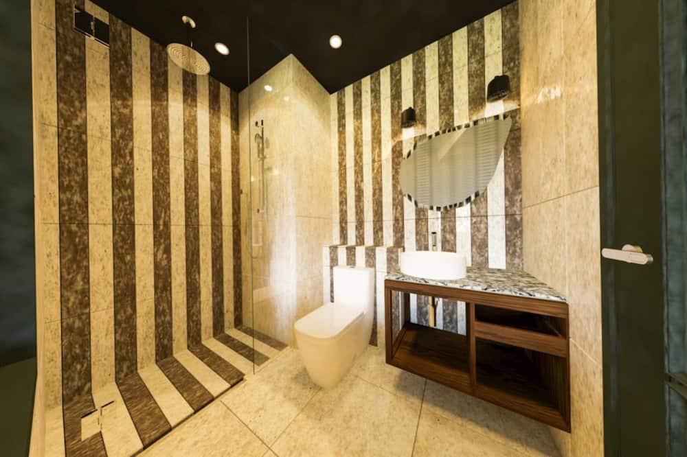 Boutique Queen - Bathroom