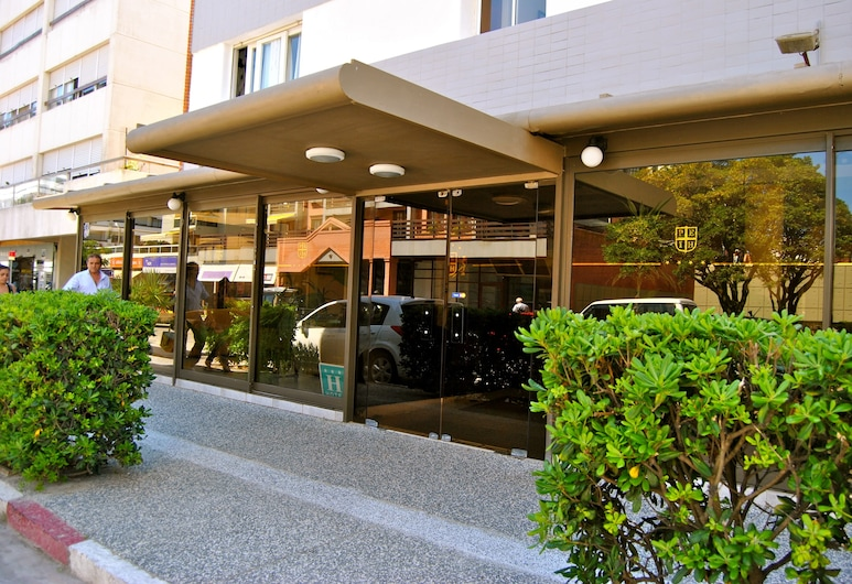 Iberia Hotel, פונטה דל אסטה, הכניסה למלון