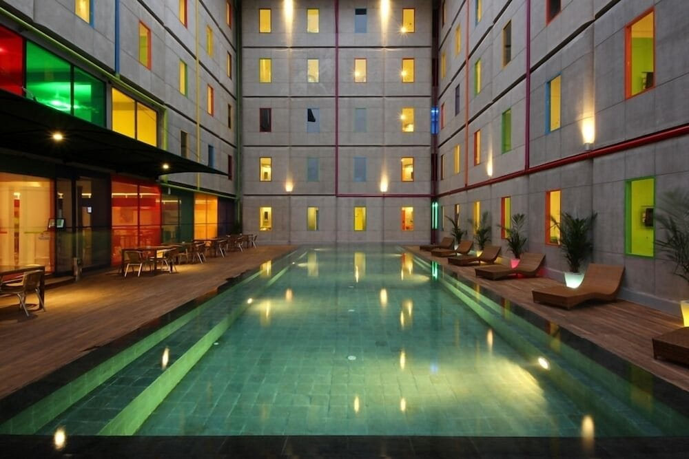 Hotels.com - Deals & Discounts for Hotel Reservations from