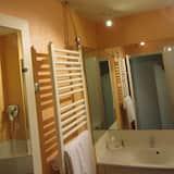 Superior Tek Büyük Yataklı Oda, 1 Çift Kişilik Yatak, Küvet - Banyo